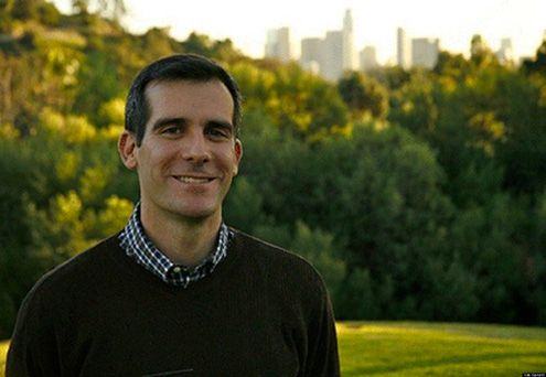 Eric Garcetti takes a picture with the Downtown Los Angeles skyline in the background (Photo: EricGarcetti.com)