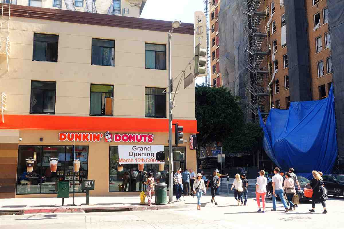 Downtown La S First Dunkin Donuts Opens At 8th Olive