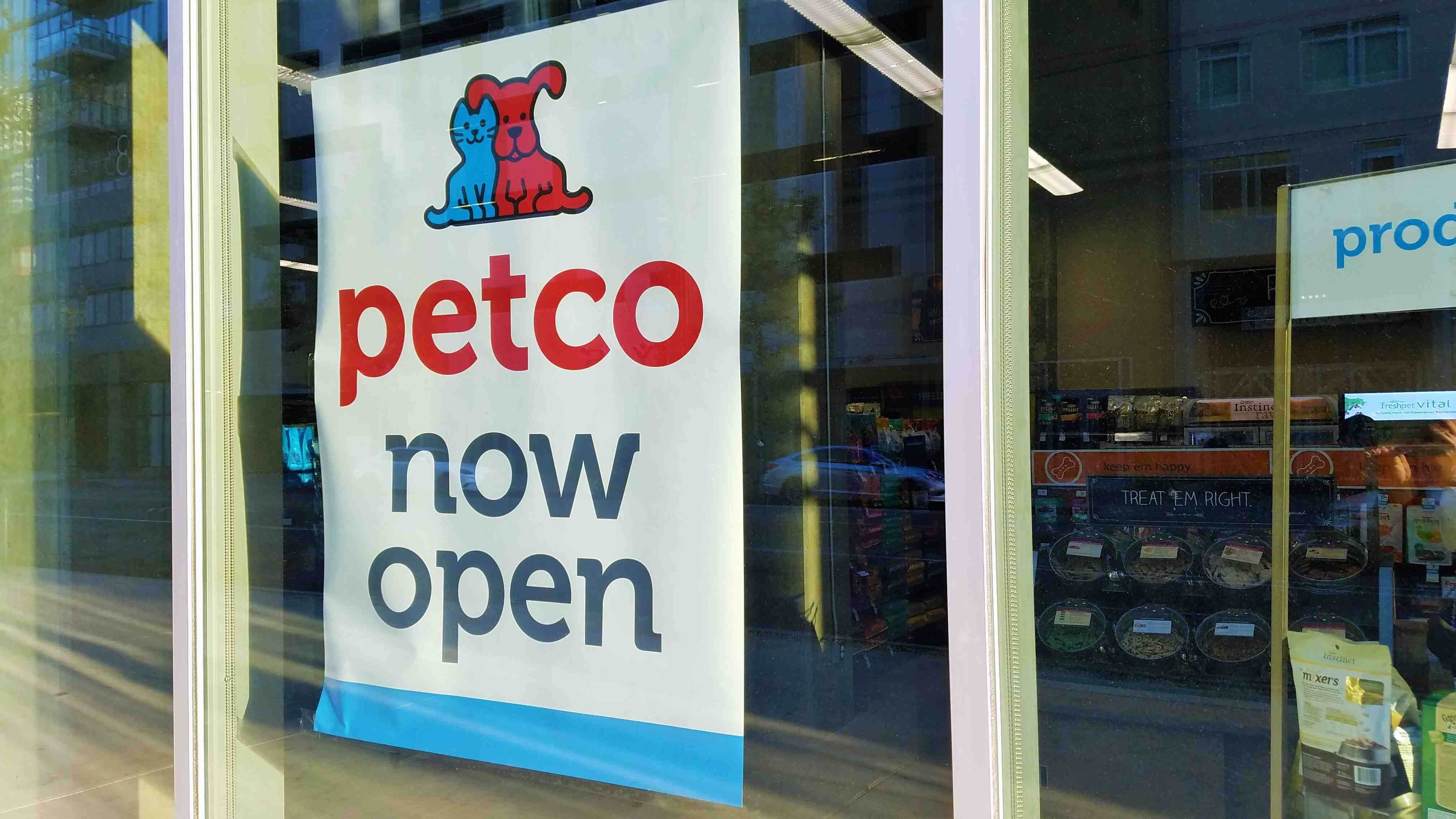 New petco store opens in south park in downtown la solutioingenieria Images